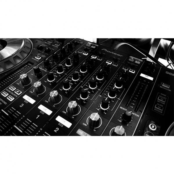 AFFORDABLE REMOTE CONTROL MUSIC SYSTEMS FOR MAGICI...